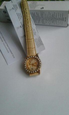 Часы новые от Эйвон