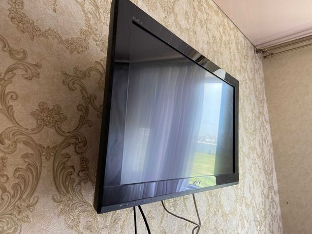 Телевизор SONY Bravia kdl 32bx420 Full HD + IPTV приставка MAG 250