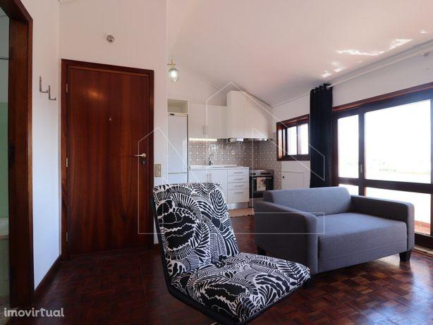 Apartamento T1+1 na Praia da Barra