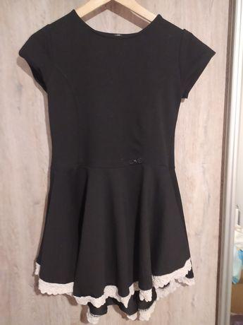 Sukienka czarna koronka rozkloszowana S
