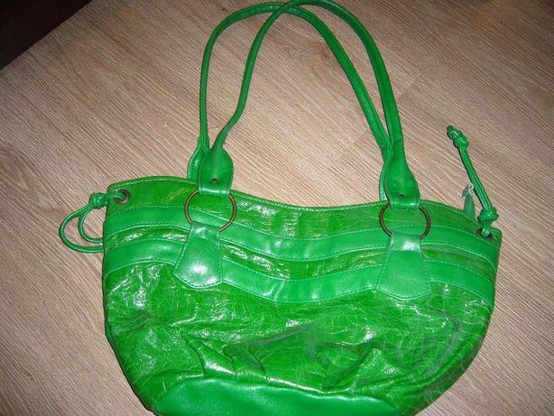 Zielona torebka na ramię, stan idealny