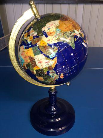 Globus z kamieni szlachetnych