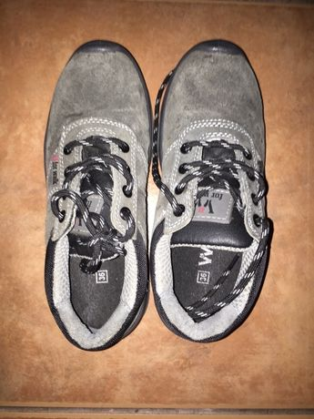 Sapato Acra (camursa) resistente a impactos