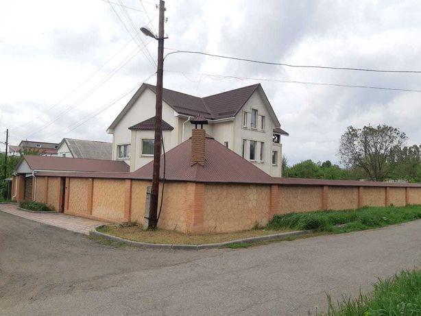 Продаеться коттедж поселок ОР,с отличным ремонтом