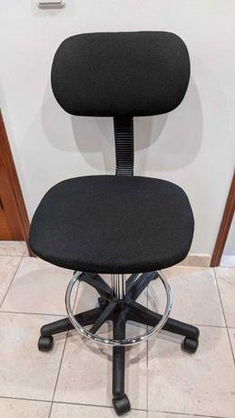 Cadeira de Escritório/Estirador Extensível com pousa-pés