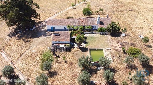 Moradia - 676 m² - T4