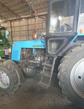 МТЗ 1025. Трактор