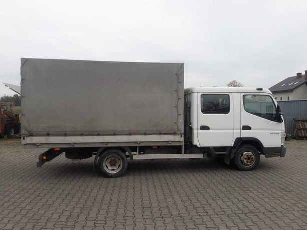 Mitsubishi Canter 2006 r. 7-osobowy