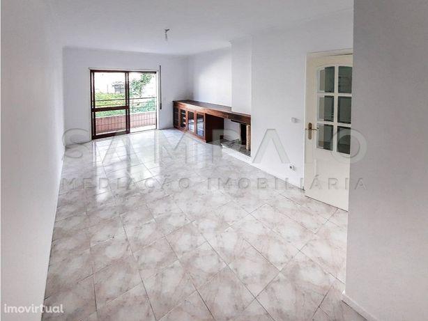 Apartamento T2 - Rio Tinto - Metro da Carreira!