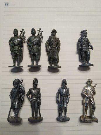 Metalowe Figurki Żołnierzyki Kinder