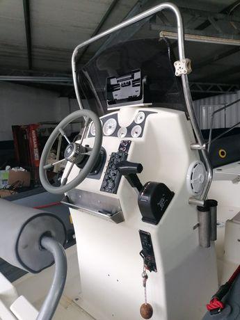 Barco semirigido narwhall 580