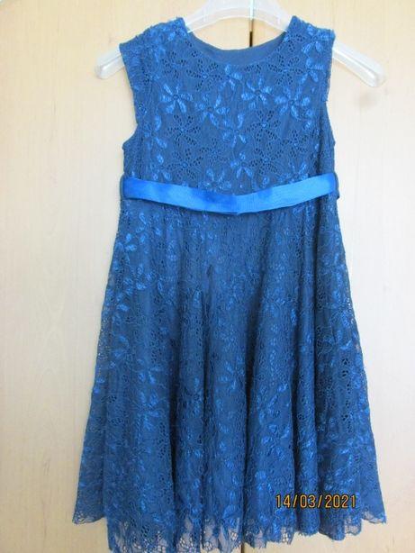 Плаття гіпюрове для дівчинки темно-синього кольору