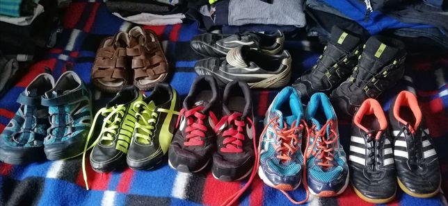 Zestaw obuwia różnego