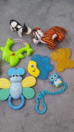 zestaw zabawek dla dziecka gryzak gzrechotka