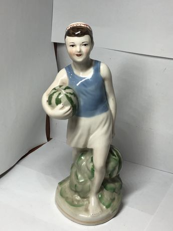 Фарфоровая статуэтка. Городница. Мальчик с арбузами