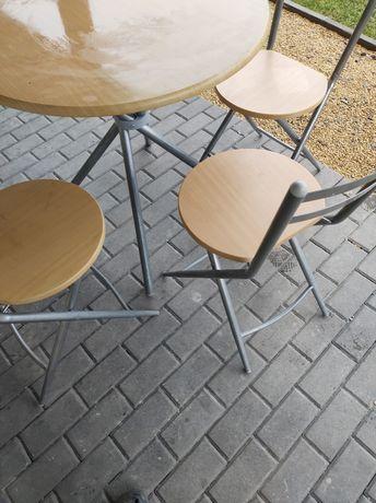 Sprzedam stolik z 3 krzeslami