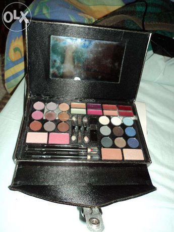 Paleta de cores maquiagem