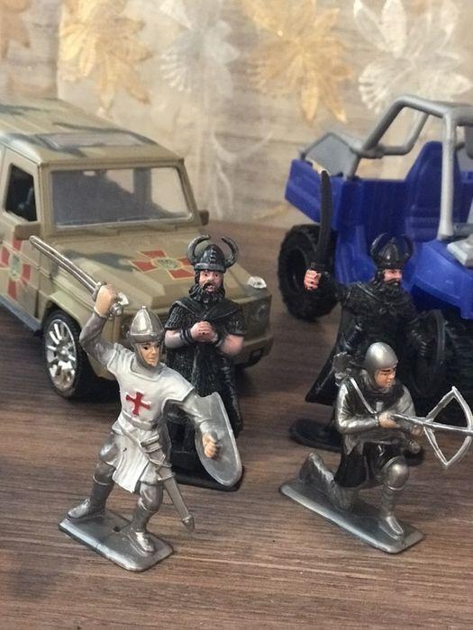 Лот игрушек, цена за все 250 Украинка - изображение 1