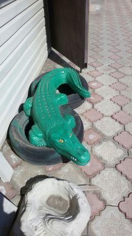 Бетонное изделие крокодил