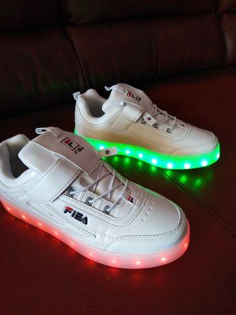 Buty sportowe, świecące, r. 36