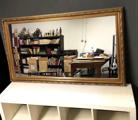Espelho de grandes dimensões , dourado a folha , moldura em madeira