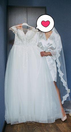 Продам весільну сукню 2019 р з глітерним фатіном