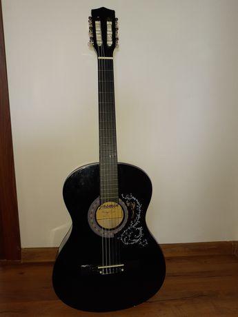 Nowa gitara akustyczna