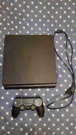 PlayStation 4 Slim 500GB + UFC 3, God of War, Uncharted