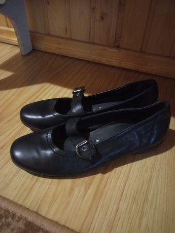 Туфлі еко шкіра.
