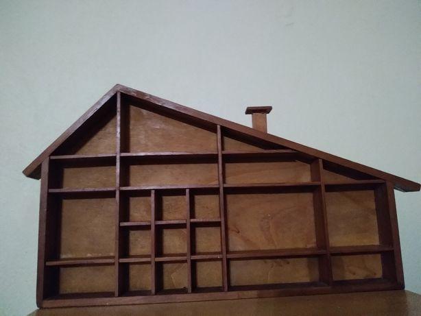 Prateleira casinha madeira