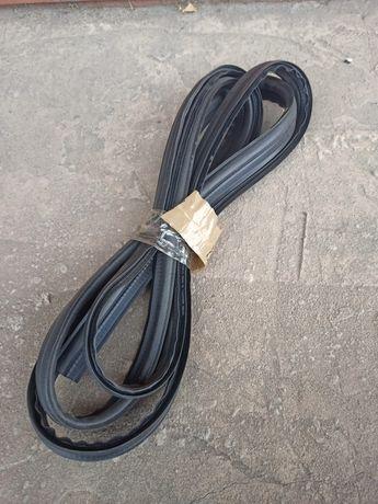 Продам уплотнитель ВАЗ 2108