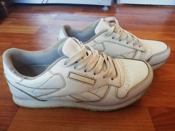 Шкіряні кросівки 38 розміру, 24,5 см