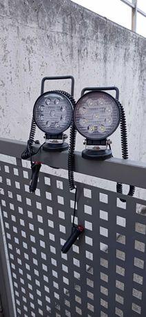 Foco LED com base magnética