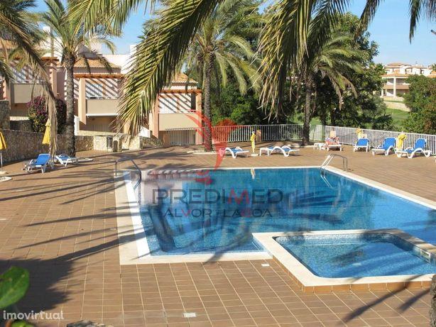 Moradia T3 Estombar em condomínio com piscina