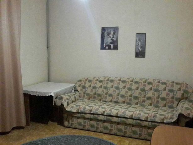 Сдам трёхкомнатную полнометражную квартиру в центре.