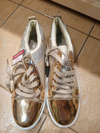 Nowe buty damskie