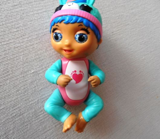 Интерактивна кукла Tiny Toes Луна Единорог от фирмы Playmates