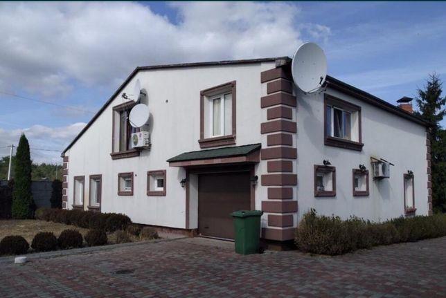Продам кирпичный дом  240 кв метров с ремонтом,Житомирская трасса