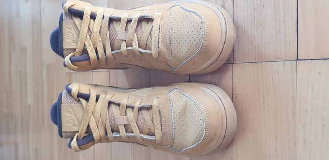 NIKE sportowe buty skórzane za kostkę 38.5 cm