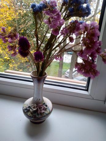 Разные вазы из стекла и керамики