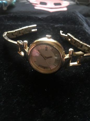 Продам стильные красивые часы -ESPRIT
