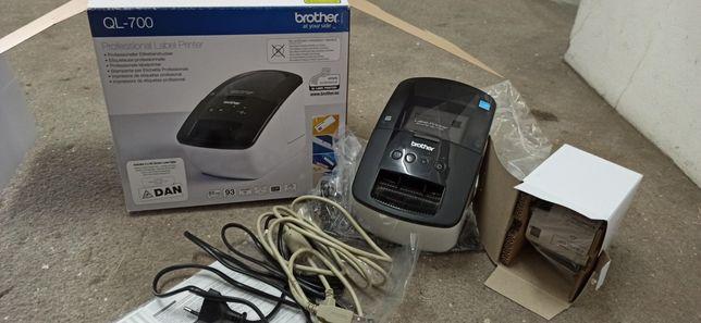Impressora Etiquetas BROTHER Profissional QL-700