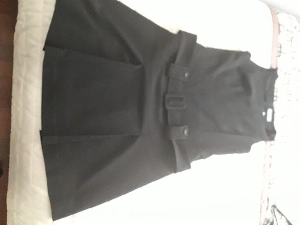 Sukieneczka czarna z paseczkiem