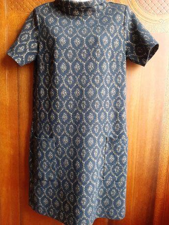 Стильное плотное платье прямого кроя TU р. 10