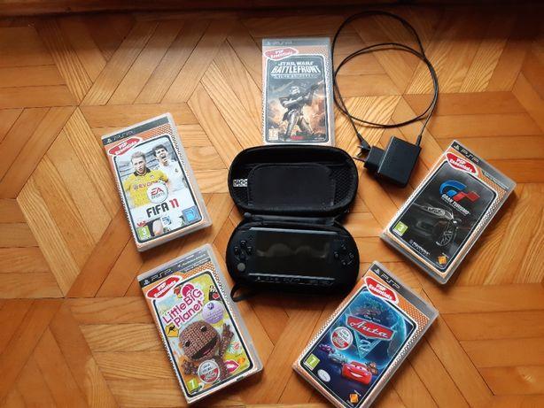 Sony PSP + gry + pokrowiec + ładowarka
