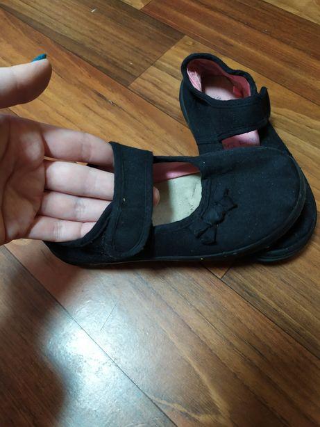 Тапочки , текстильные туфли для девочки для садика, улицы и дома
