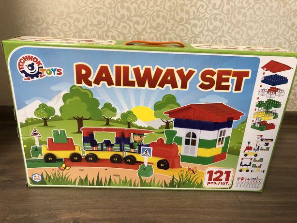 Железная дорога / конструктор / поезд