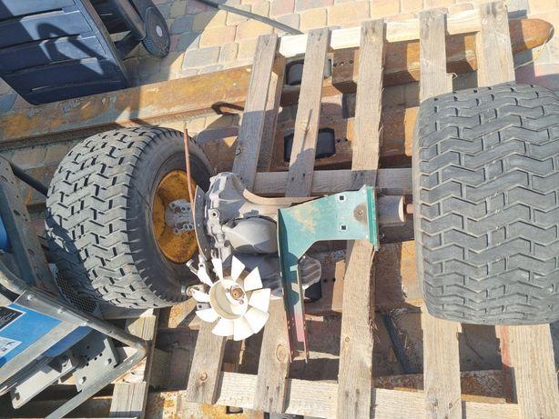 Traktorek kosiarka skrzynia z kołami