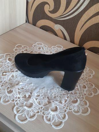 Туфельки  жіночі 38 р