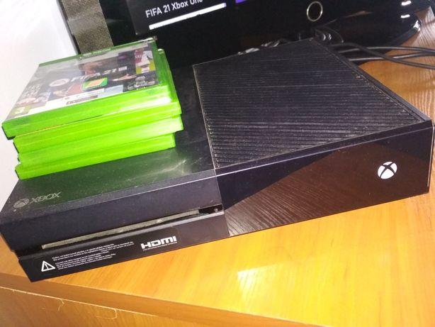 Xbox one wraz z padem i 9 grami